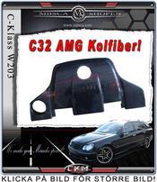 1.Kolfiber kåpa C32 AMG motor